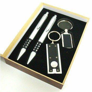 https://www.imediatobrindes.com.br/content/interfaces/cms/userfiles/produtos/kit-caneta-lapiseira-personalizado-imediato-brindes-723.jpg